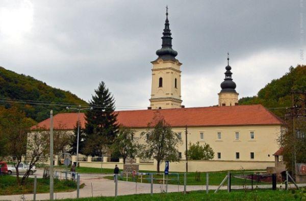 O manastiru postoje mnoge zanimljivosti.